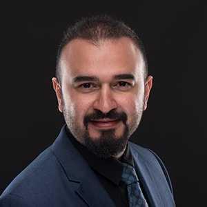 <a href='http://www.kuwaiteyecenter.com/medical-team/#memberno9'>Dr. Talal Atif Khalaf Alquarani</a>