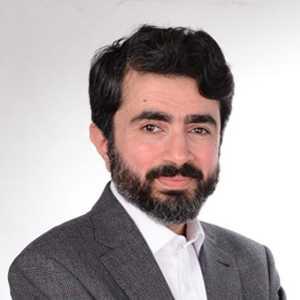 <a href='http://www.kuwaiteyecenter.com/medical-team/#memberno12'>Dr. Mahmood AH Kazem</a>